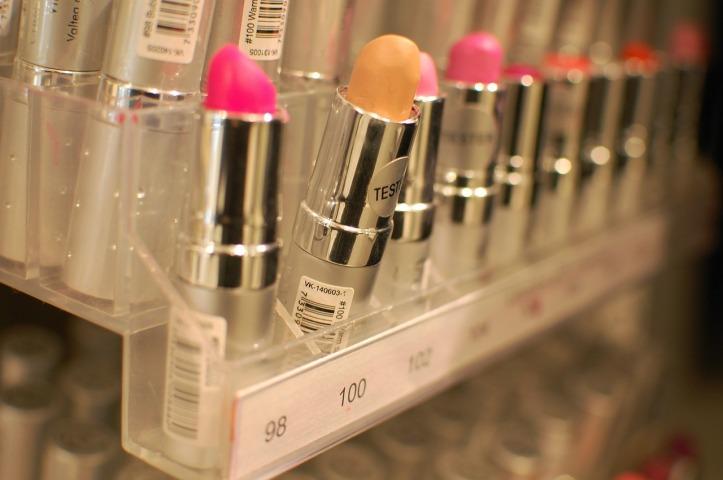 lipstick-590890_1280