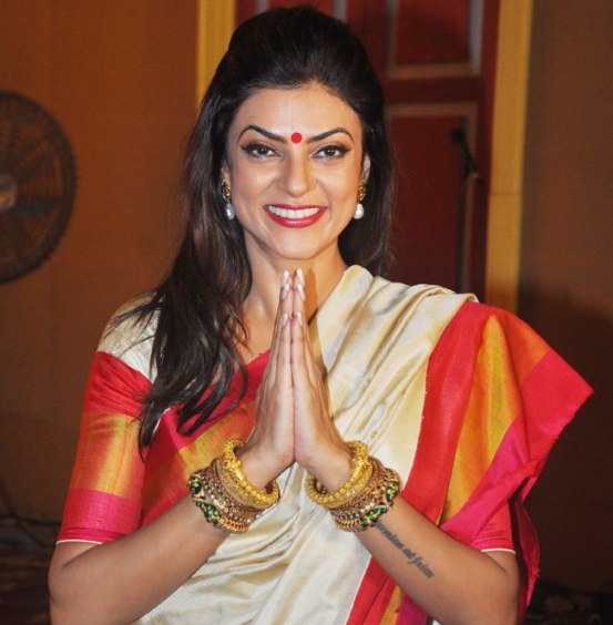 The original Miss Universe - Sushmita Sen, knows how to be so mesmerizing in Bengali attire